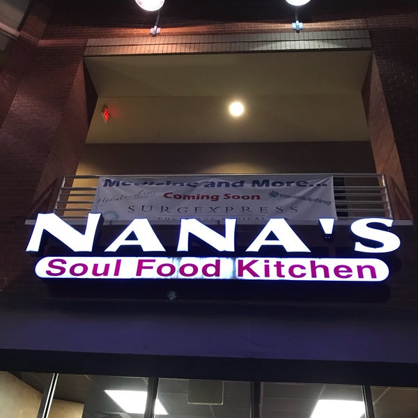 Photo taken at Nana's Soul Food Kitchen by Spursfanhawaii on 11/11/2017