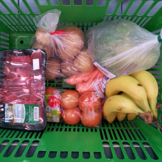 Photo taken at NTUC FairPrice by Md Redza on 10/21/2012