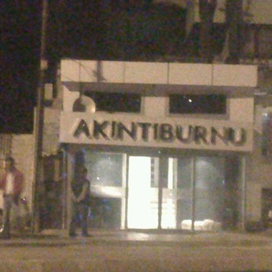 10/12/2012 tarihinde Halil Y.ziyaretçi tarafından Akıntı Burnu Restaurant'de çekilen fotoğraf
