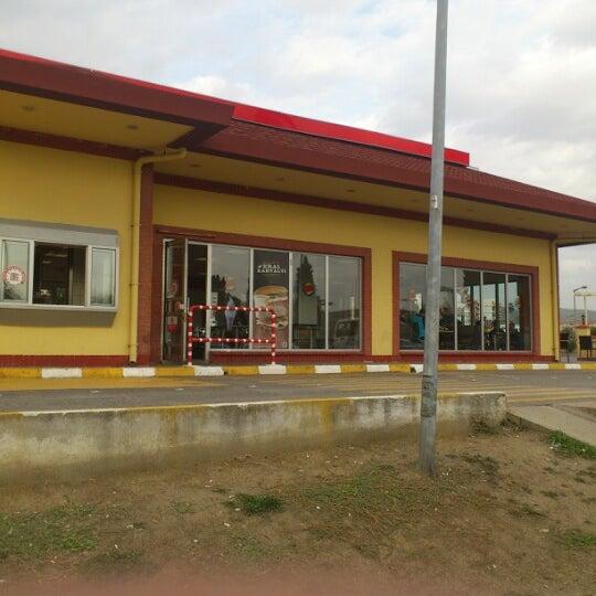 Photo taken at Burger King by Mustafa G. on 11/2/2012