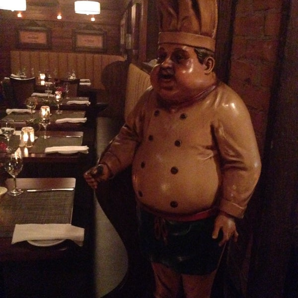 Photo taken at Lake House Restaurant by Clay M. on 11/19/2014