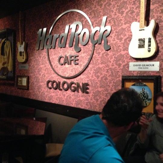 Ебет в кафе ольгу фото 446-577