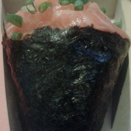 Photo taken at Japa Food by Ariane Piririma C. on 10/22/2012