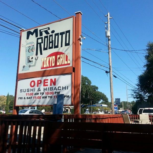 Photo taken at Mr. Roboto Tokyo Grill by Ben W. on 10/25/2013