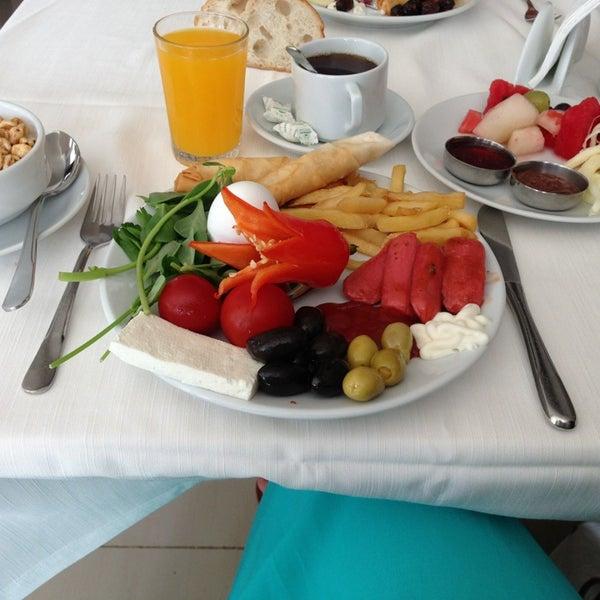 7/8/2013 tarihinde Rumeysa G.ziyaretçi tarafından Sah İnn Restaurant'de çekilen fotoğraf