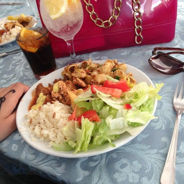 9/1/2013 tarihinde Rumeysa G.ziyaretçi tarafından Sah İnn Restaurant'de çekilen fotoğraf