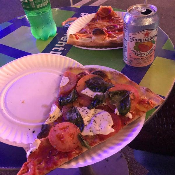 Excelente pizza y buen precio
