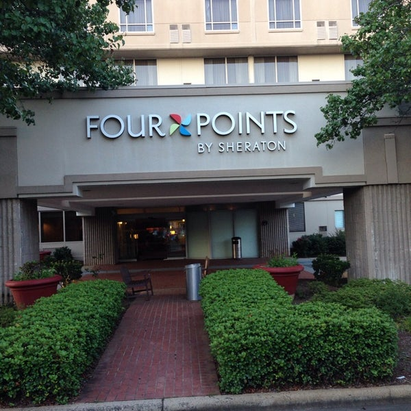 Foto tirada no(a) Four Points by Sheraton Charlotte por Ron M. em 7/16/2014