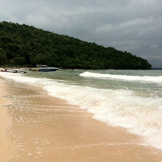 Photo taken at Sai Keaw Beach by RaKaHome.com on 10/8/2012