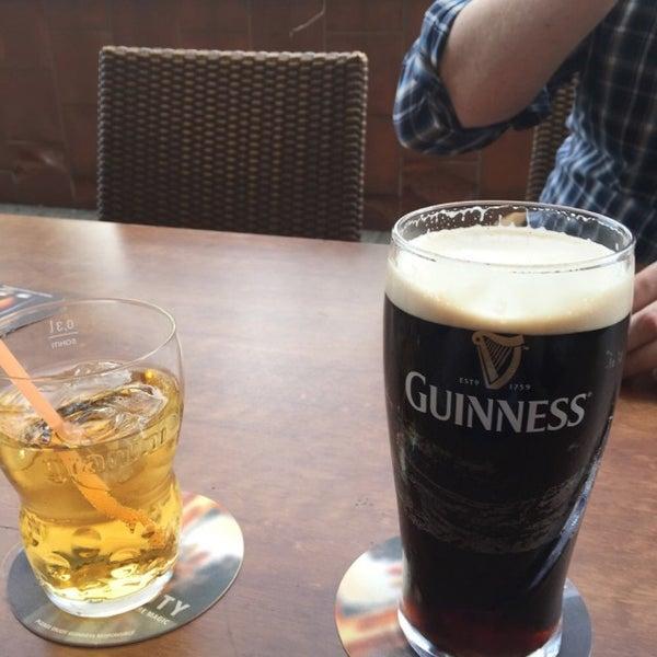 Foto tirada no(a) Fritzpatrick's Irish Pub por Alexander K. em 10/19/2014