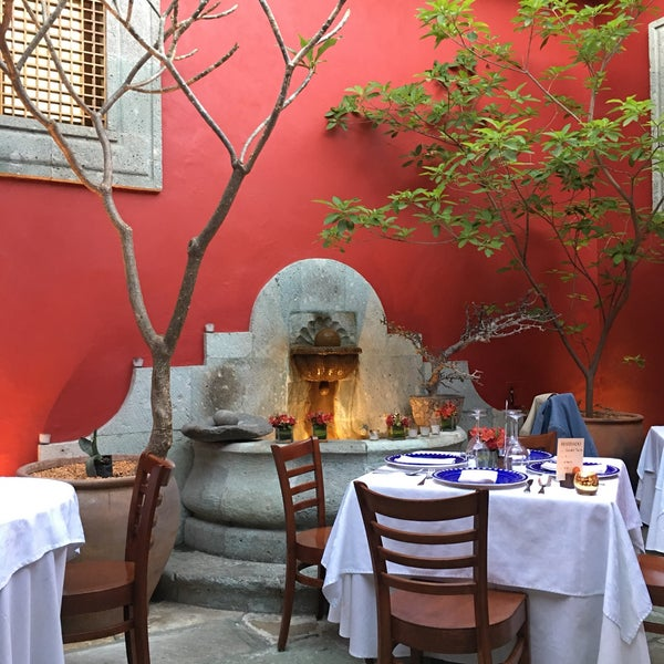 Foto tomada en Catedral Restaurante & Bar por Vicente O. el 2/19/2017