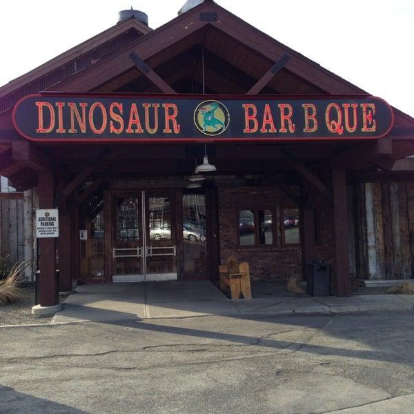 Dinosaur Bar B Que : An American Roadhouse