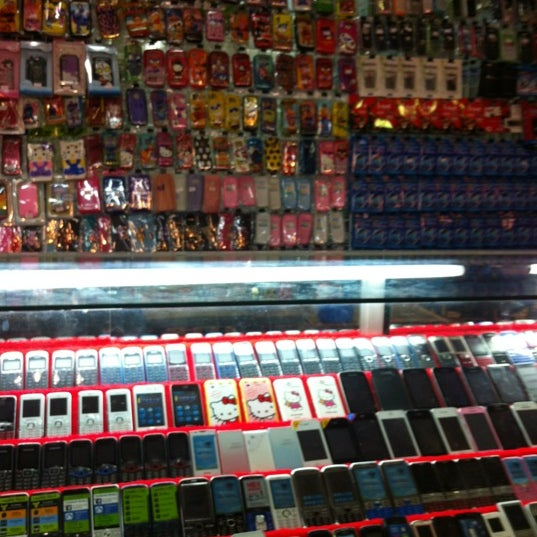 Photo taken at ร้านเอ็กซ์โฟน by X N. on 10/8/2012