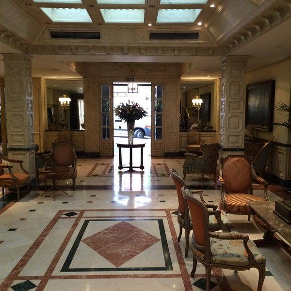 Снимок сделан в Hotel Orfila пользователем Вик 5/14/2015