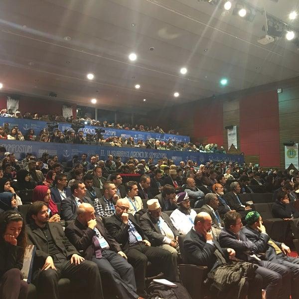 12/25/2016 tarihinde MUHAMMED MALİK T.ziyaretçi tarafından İstanbul Üniversitesi Kongre Kültür Merkezi'de çekilen fotoğraf