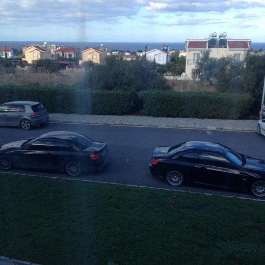 Снимок сделан в Girne American University пользователем Ozgur C. 12/11/2012