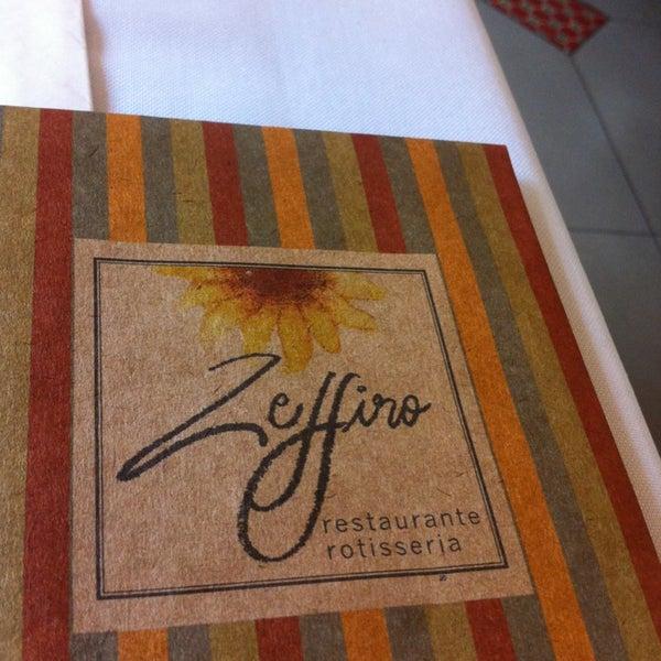 Foto tirada no(a) Zeffiro Restaurante por Luyz B. em 1/26/2013