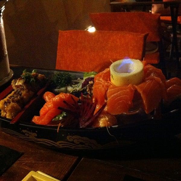 Foto tirada no(a) Hachi Japonese Food por Maria Rita N. em 1/25/2013
