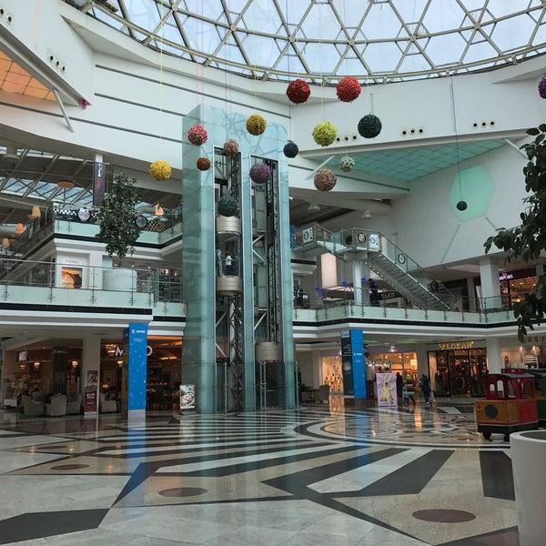 3/20/2017 tarihinde Yalda A.ziyaretçi tarafından Family Mall'de çekilen fotoğraf