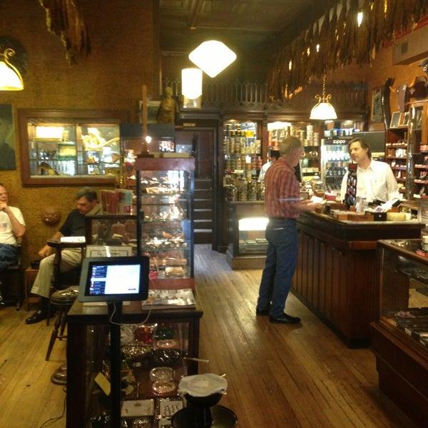 Photo prise au Georgetown Tobacco par James W. le6/11/2013