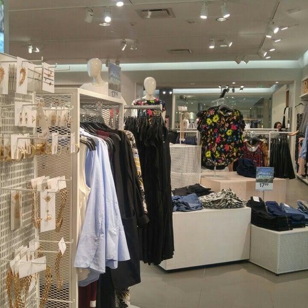 H&m cloth store