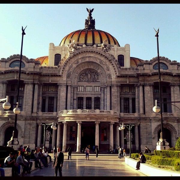 Foto tomada en Palacio de Bellas Artes por Lupita G. el 6/19/2013