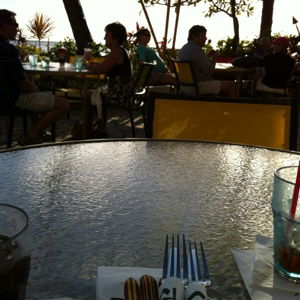 Photo taken at Duke's Waikiki by Joann B. on 2/26/2013