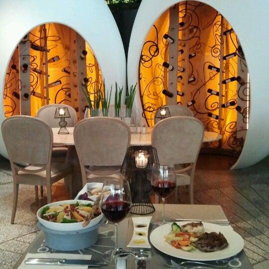 11/30/2012 tarihinde Gökhan Ö.ziyaretçi tarafından Ve Cafe & Restaurant'de çekilen fotoğraf