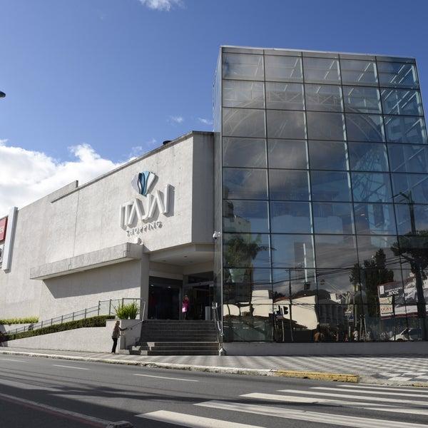 Foto tirada no(a) Itajaí Shopping Center por Itajaí Shopping Center em 7/6/2017