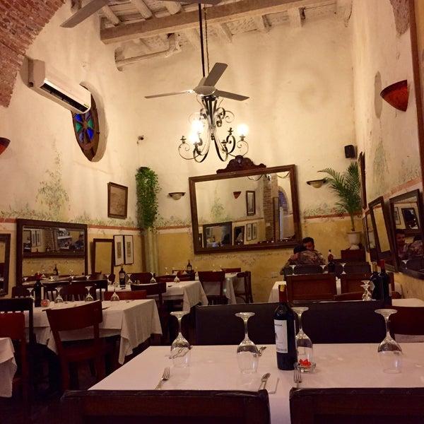 Foto tomada en Donde Olano Restaurante por Ivan C. el 8/5/2015
