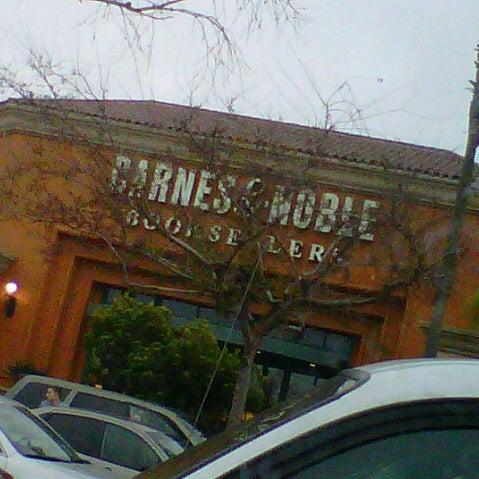 Barnes & Noble - Fresno, CA
