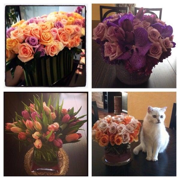 Empty Vase Florist Flower Shop In West Hollywood
