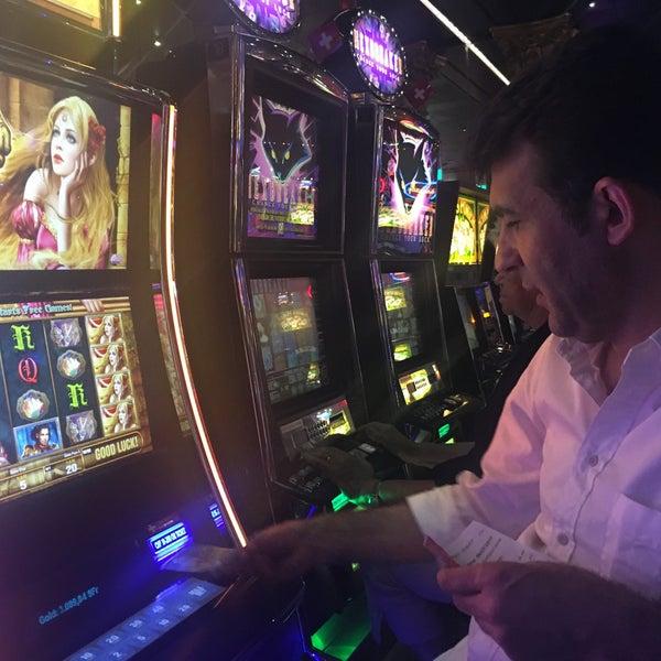 Адмирал Х - официальный сайт казино без регистрации