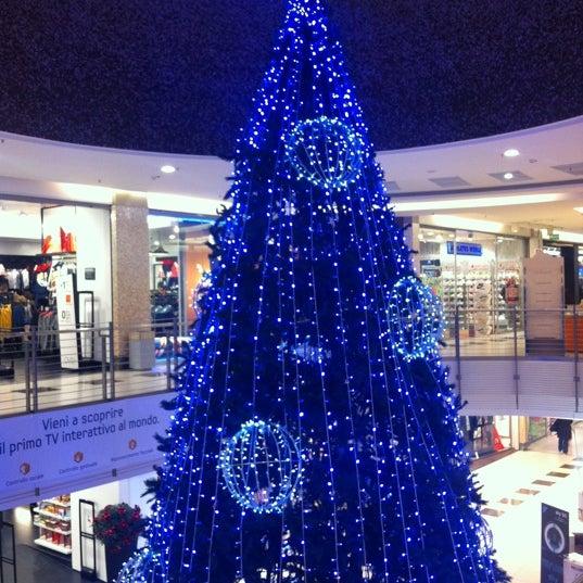 Foto scattata a Centro Commerciale Parco Leonardo da Marta R. il 12/13/2012