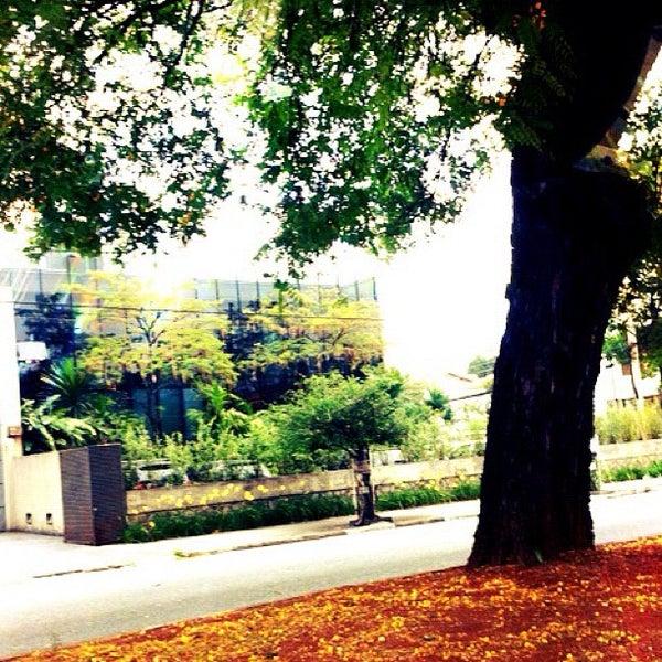 Photo taken at Avenida Brasil by Mayara B. on 10/19/2012