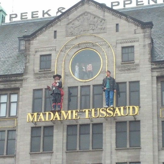 Photo taken at Madame Tussauds by Mauro D. on 10/30/2012