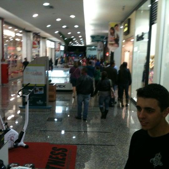 Foto tirada no(a) JL Shopping por Alberto G. em 10/21/2012