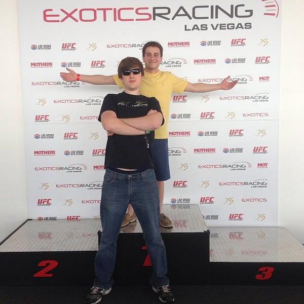 Foto tirada no(a) Exotics Racing por Jenny V. em 5/17/2013