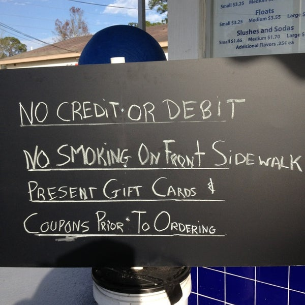 This place is a local landmark. Blast from the past because  No credit or debit accepted. So Don't forget to bring cash!