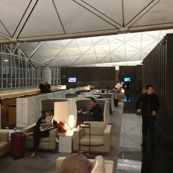 the wing cathay pacific lounge departure level terminal 1 hong kong international. Black Bedroom Furniture Sets. Home Design Ideas