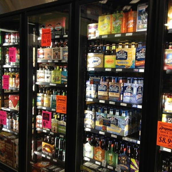 Foto tirada no(a) Argonaut Wine & Liquor por Michael K. em 4/9/2013