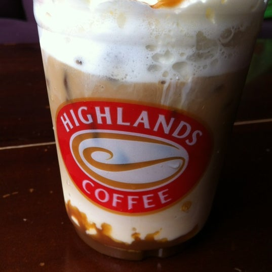 Photo taken at Highland Coffee @ BIG C by Giang Heo D. on 10/22/2012