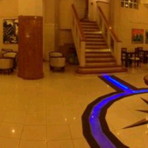 Foto tomada en InterTower Hotel por César Martín C. el 8/24/2013