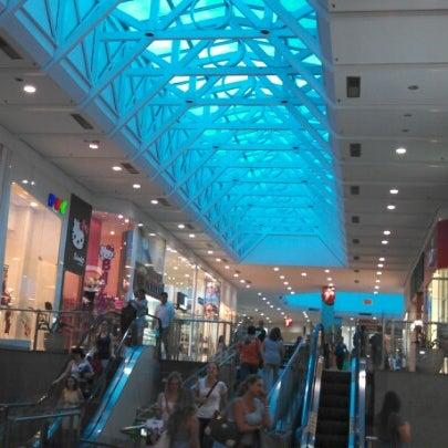 Foto tirada no(a) Shopping Neumarkt por Fernando G. em 2/21/2013