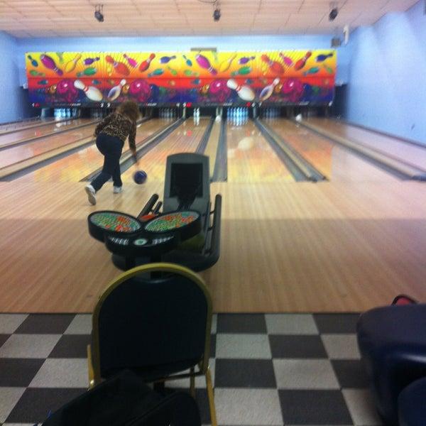 Lakehurst bowling alley