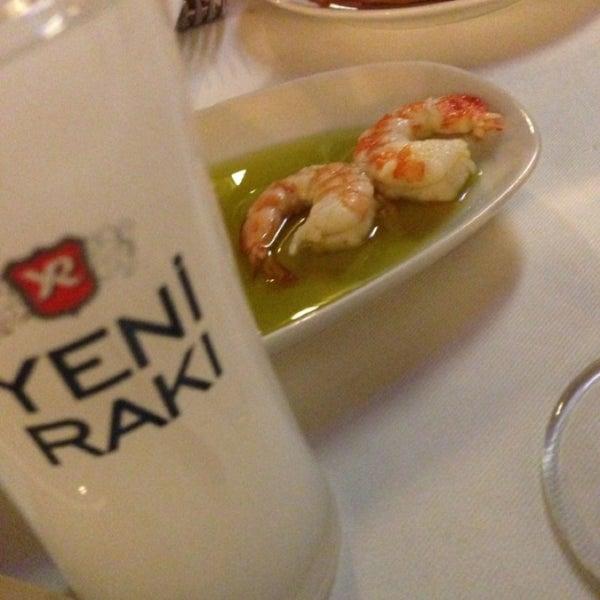 8/21/2013 tarihinde Gökhan Y.ziyaretçi tarafından Kalkan Balık Restaurant'de çekilen fotoğraf