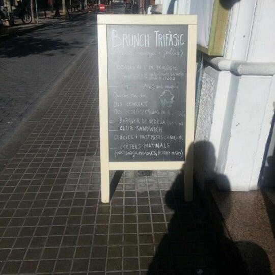 Foto tomada en Cafè el Trifàssic por Keiko a. el 12/30/2012