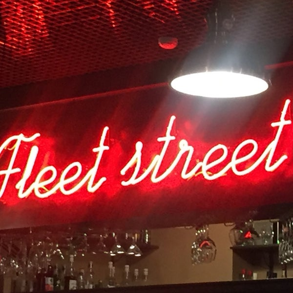 Снимок сделан в Fleet Street пользователем Dmitrii K. 9/14/2016