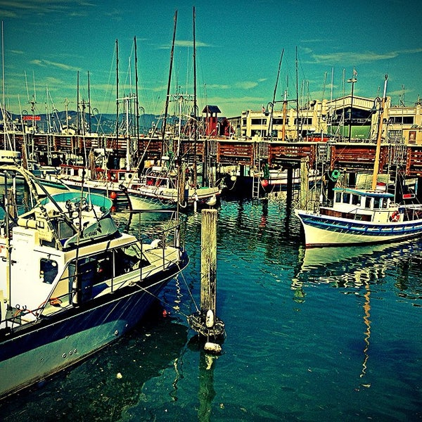 Fisherman 39 s wharf inner harbor historic fishing fleet for Fishing store san francisco