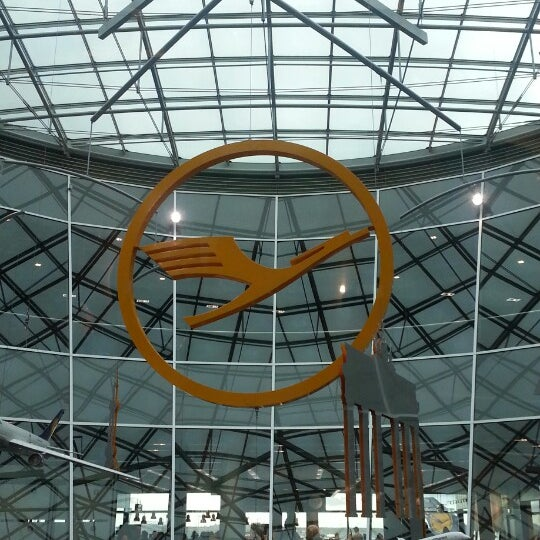 Das Foto wurde bei Frankfurt Airport (FRA) von Teena Y. am 10/27/2013 aufgenommen